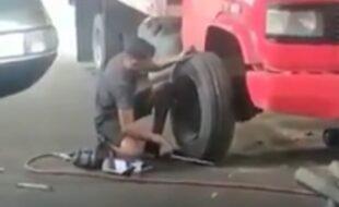 Trocando o pneu do caminhão
